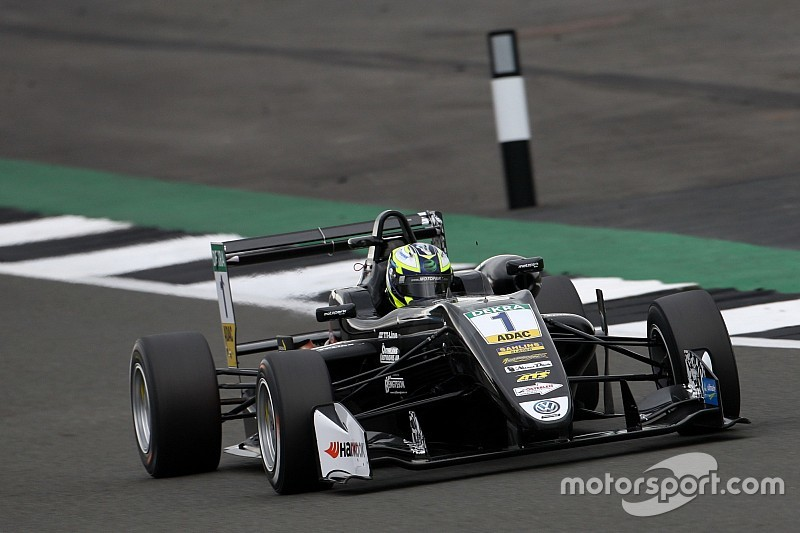 Eriksson supera Ilott no início e vence corrida 2