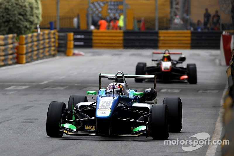فورمولا 3: دا كوستا يتجاوز إيلوت ليحرز الفوز بالسباق التأهيليّ في ماكاو