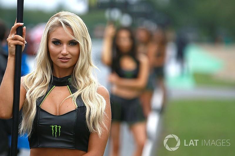 Fotogallery: le bellissime ombrelline della gara di Brno della MotoGP