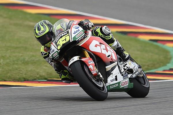 MotoGP Новость Кратчлоу надоело быть единственным гонщиком LCR