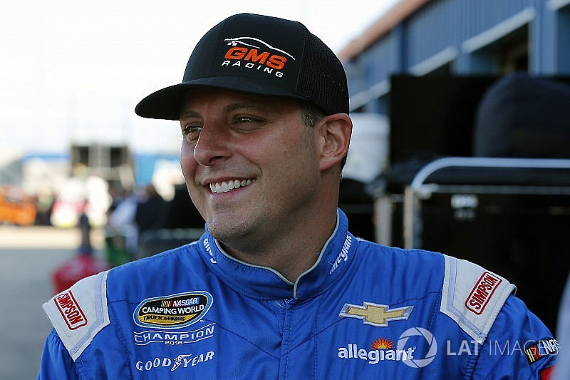 Sauter, Marks lead Thursday NASCAR Truck practices at Las Vegas
