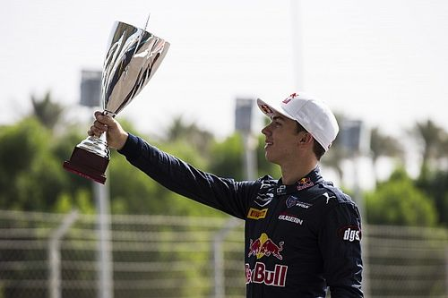 Abu Dhabi GP2: Gasly crowned champion as Lynn wins final race