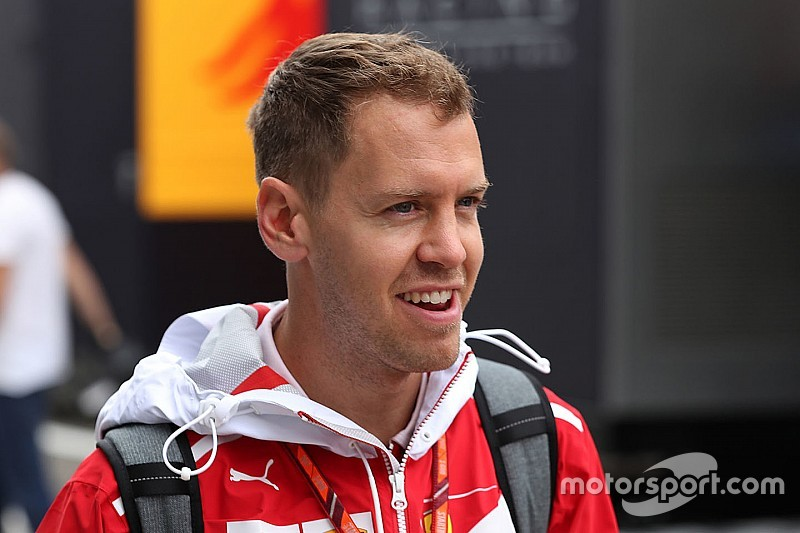 Vettel, Ferrari'yle yeni sözleşme imzalamak için acele etmiyor