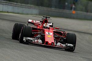 Vettel kesal kehilangan banyak waktu di belakang Hamilton