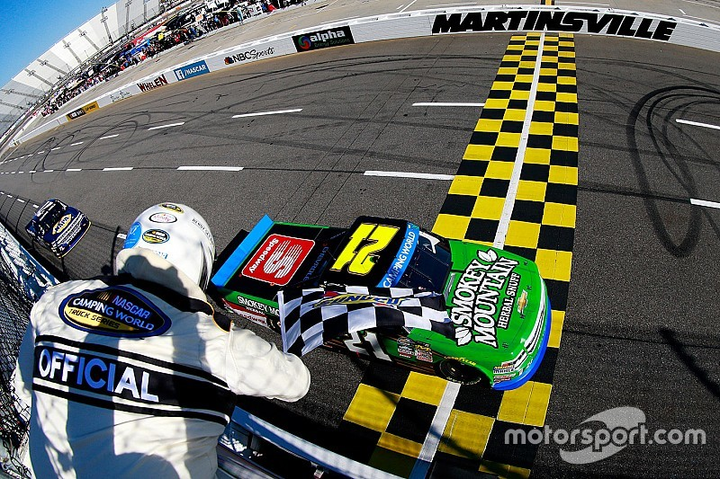 Johnny Sauter wins at Martinsville, advances to Championship 4