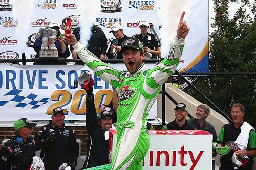 Suarez dominates Dover, advances to the second round of Xfinity Chase