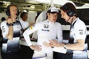 Retro: Vandoorne debuteert in F1 na studieronde in het vliegtuig