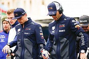 Ordenan a Verstappen y Ricciardo disculparse en la fábrica de Red Bull