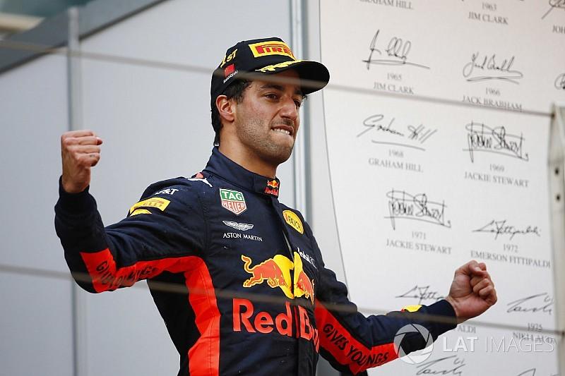 ريكاردو: الفوز في الصين يُعادل 50 تجربة كارثية كسباق البحرين