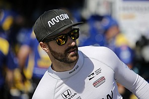 James Hinchcliffe in Nöten: Hinter Safety-Car in Rennanzug gepinkelt