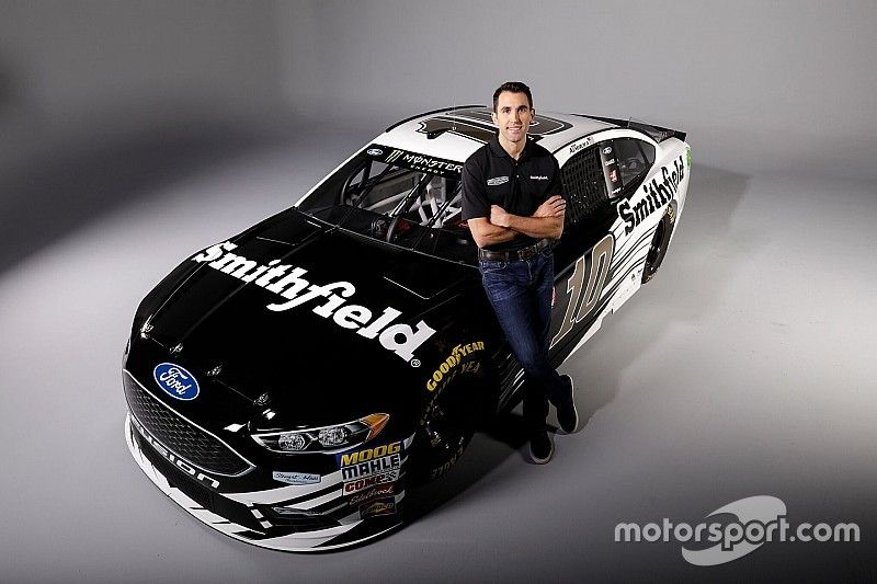 Almirola to replace Patrick at Stewart-Haas Racing in 2018