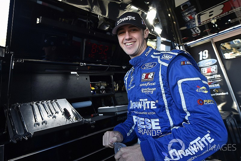 BKR Take on Trucks – Team working hard to go out a champion