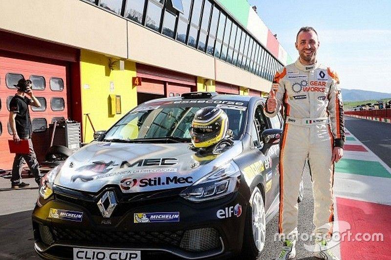 Poloni inaugura la stagione della Clio Cup Italia con una doppia pole