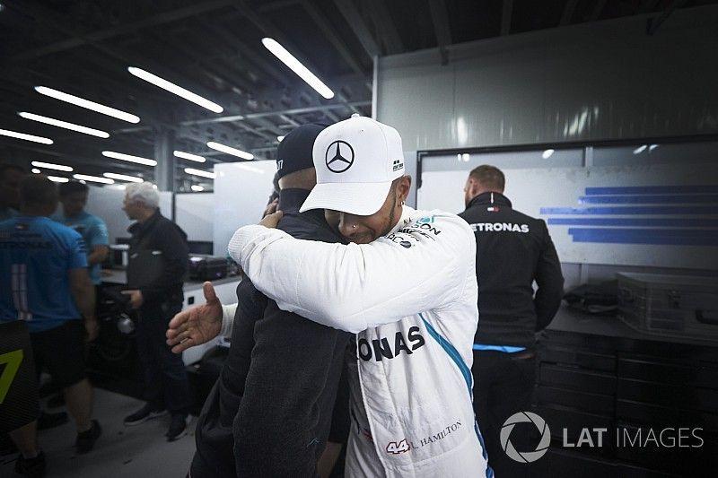 """Mercedes: """"La victoria de Hamilton en Bakú no sentó bien"""""""