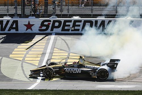 James Hinchcliffe s'impose sur l'Iowa Speedway