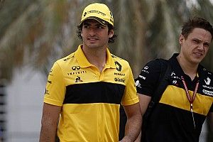 """Sainz: """"Tenemos como referencia a los otros dos equipos Renault"""""""