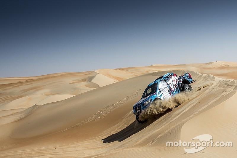 رالي أبوظبي الصحراوي: انقلاب سيارة الدوسري في المرحلة الثانية