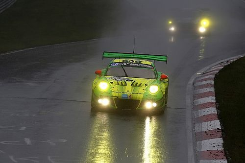 Nurburgring 24h: Porsche beats Mercedes in thrilling finish