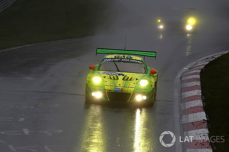 Nurburgring 24h: Porsche beats Mercedes in thrilling finish