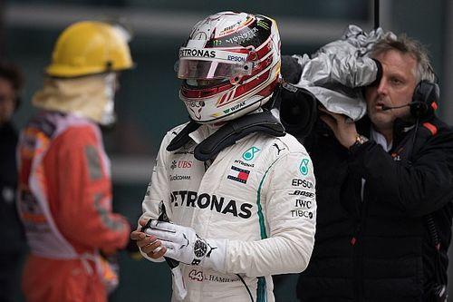 """Hamilton: """"Ferrari lijkt vreemd genoeg overal goed te zijn"""""""