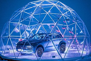 Automotive Breaking news Porsche opens world's highest pop-up store in the French Alps