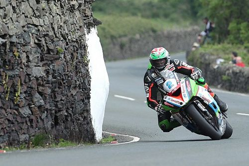 Hillier stays with Bournemouth Kawasaki for 2019 TT