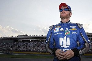 """Earnhardt says his mind """"feels sharp"""" despite nausea and balance issues"""