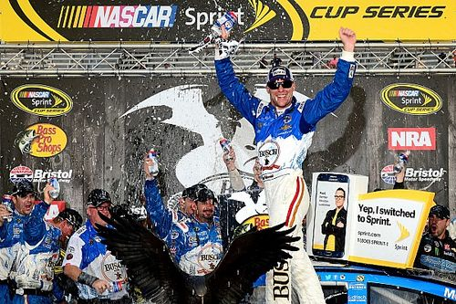 Harvick takes Bristol win, then celebrates with Stewart