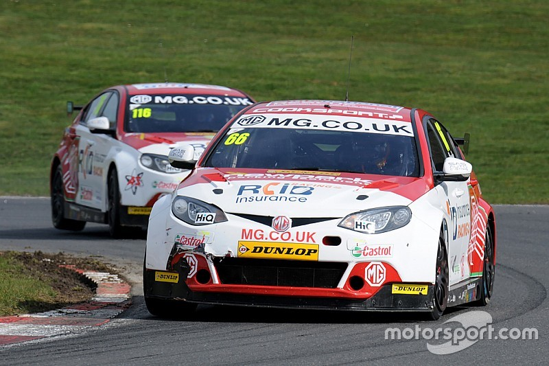 Donington BTCC: Cook remains on top in final practice