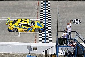 Brazilian V8 Stock Cars: Hot races in Curitiba – Felipe Fraga and Thiago Camilo take victories