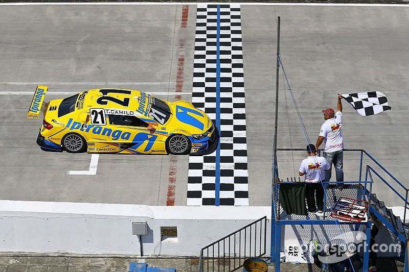 Brazilian V8 Stock Cars: Hot races in Curitiba – Felipe Fraga and Thiago Camilo take victories