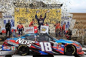 Kyle Busch wins hectic Xfinity race at Kansas