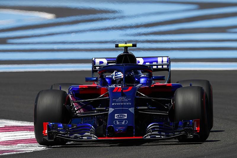 Toro Rosso komt weg met voorwaardelijke straf na bandenincident