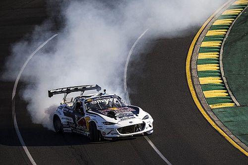 Óriási csapatás az ausztrál F1-es pályán: Ricciardo az anyósülésen