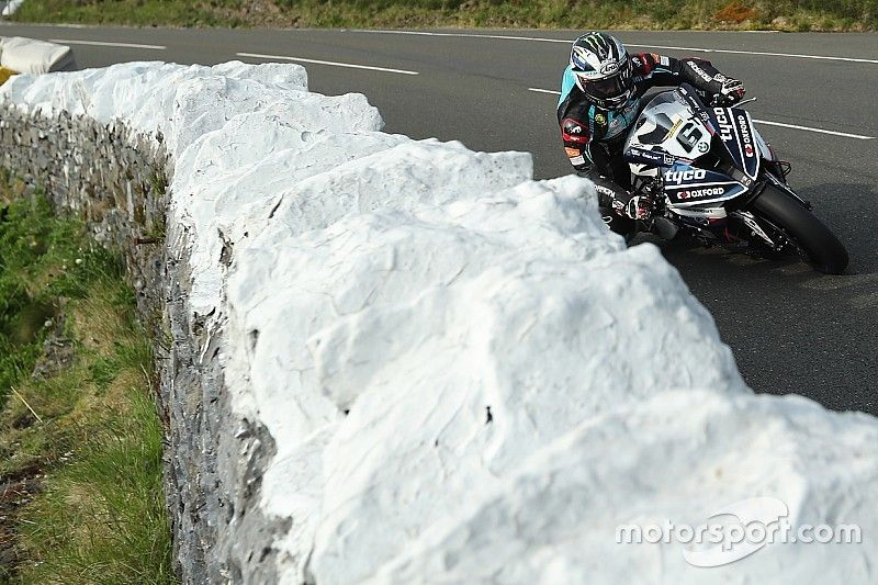 Isle of Man TT: Dunlop leads drone-interrupted Superbike practice