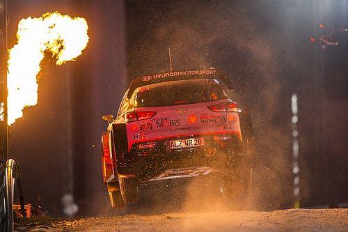 Hasít a Hyundai a Svéd Ralin, Neuville vezet, Ogier küszködik