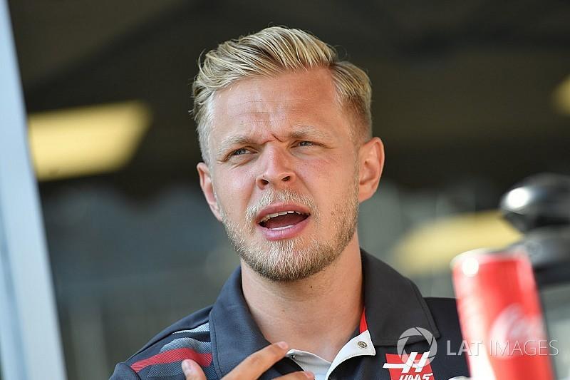 """Magnussen: """"Nem akarok meghalni egy versenyautóban"""""""