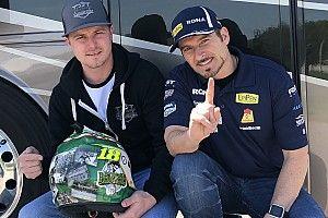 Alex Tagliani sells helmet to raise funds for Humboldt crash victims