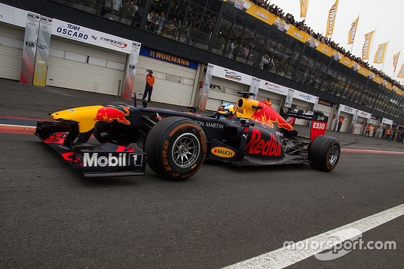 """Ricciardo: """"Voor Zandvoort heb je grote ballen nodig"""""""