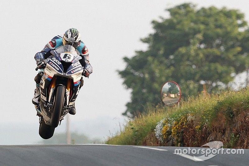 Michael Dunlop fit per l'Ulster Grand Prix