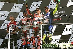 La rabia impulsa a Lorenzo hacia su primera victoria con Ducati