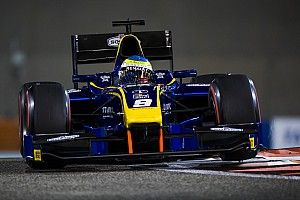 Роуленд выиграл первую гонку Ф2 в Абу-Даби, Маркелов второй