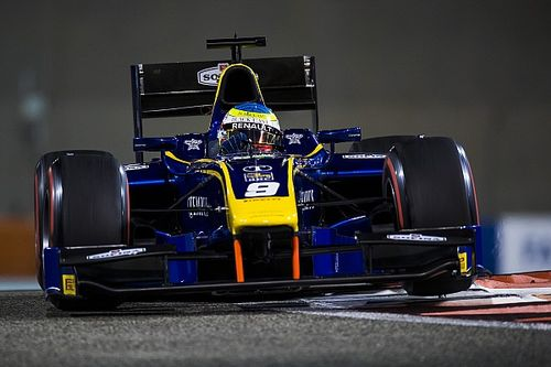 Rowland maestro di strategia trionfa nella Feature Race di Abu Dhabi