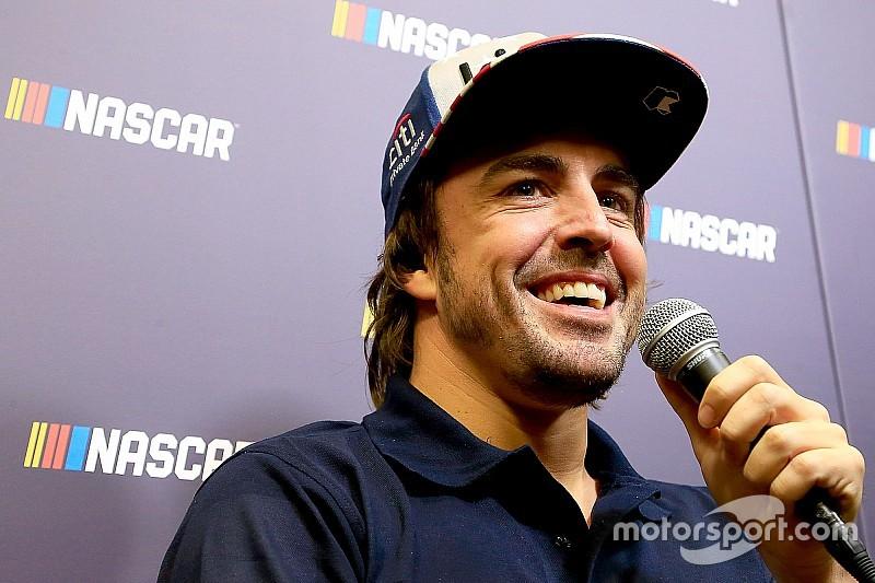Alonso podría realizar una prueba en NASCAR