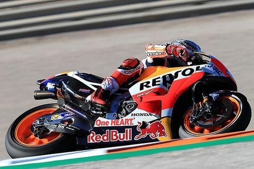 Márquez vuela en Valencia y le saca más de un segundo a Dovizioso