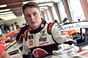 Christopher Bell fue descalificado de la carrera de Xfinity