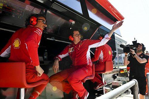 Binotto explica el lío de Ferrari en el pitstop que lastró a Vettel