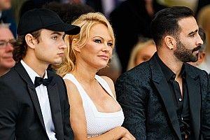 Pamela Anderson is beköszönt a Monacói Nagydíjon