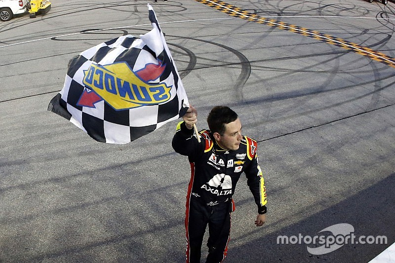 Alex Bowman bests Larson, scores first Cup win at Chicagoland