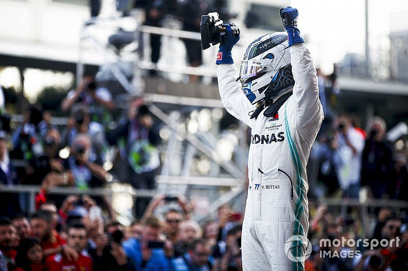 """Bottas admite pressão de Hamilton, mas garante que """"estava tudo sob controle"""""""